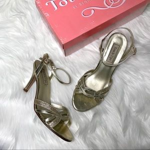 Touch Ups Gold Two Strap Sandals Formal Heels 7.5